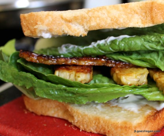 Post image for Sweet Tempeh Bacon Sandwich